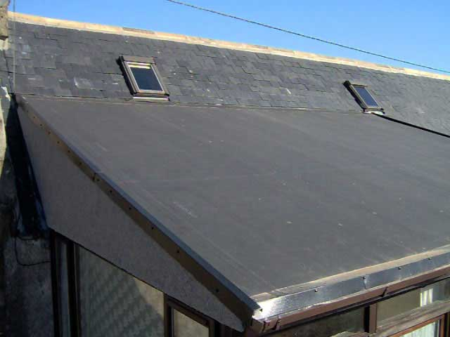 Picture of a rubber roof