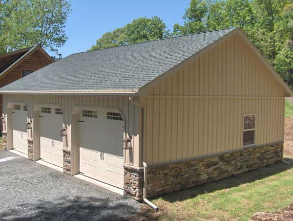 Garage with insulated vinyl siding